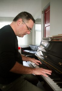 evdb-piano-cox k